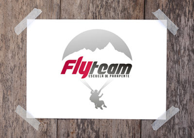 Logo FlyTeam