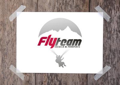 Logo FlyTeam